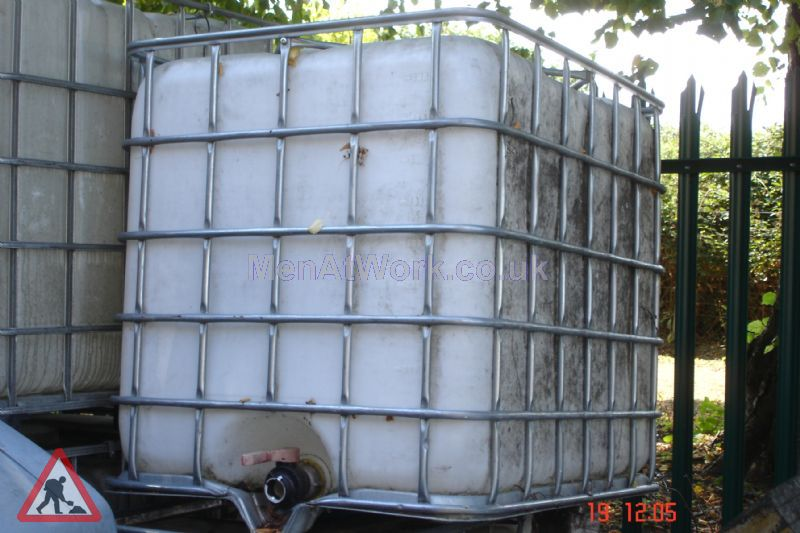 Large Water Container - 4′ x 4′ x 3′ 3ins