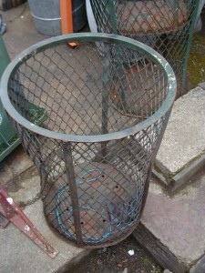 Trash Can - Wire mesh