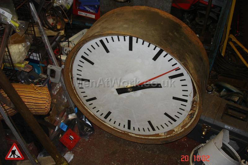 Large Clock - A Dia = 660mm