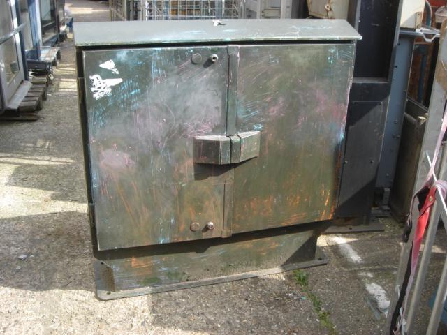 BT Box - Worn closed