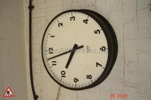 Black Framed Clock - C Dia = 460mm