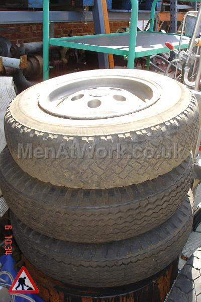 Tyres - CAR TYRE LARGE