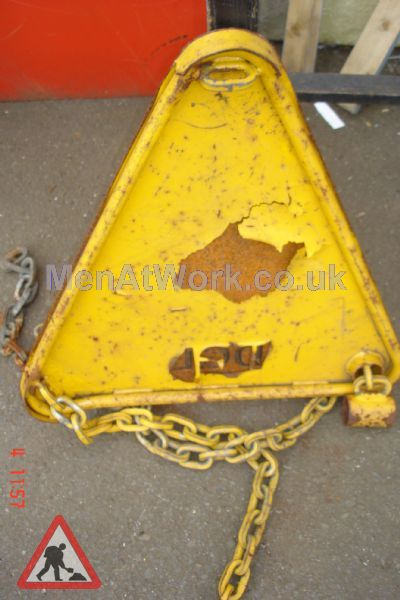 Car Clamp Triangle Damaged - Back