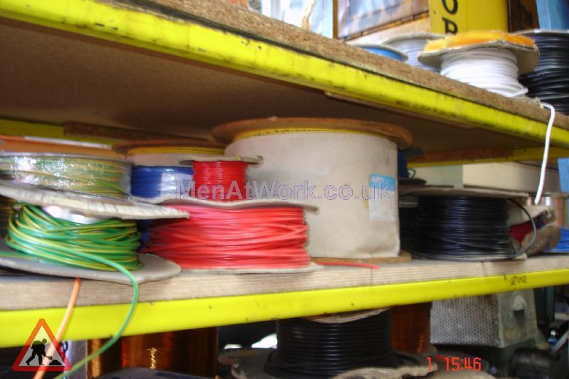 Assorted Cables and Drums - Cable drums various colours (4)