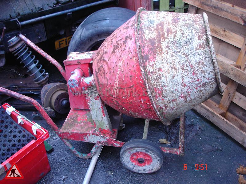Cement Mixer Red - Cement Mixer Red (2)