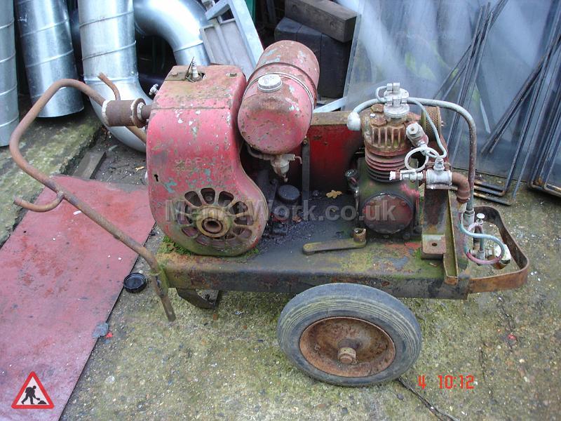 Compressor Old Style - Compressor Old Style