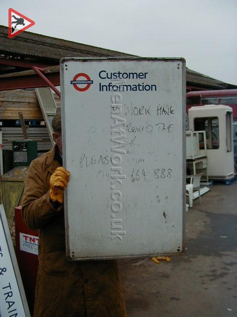 Information underground signs - Customer information sign