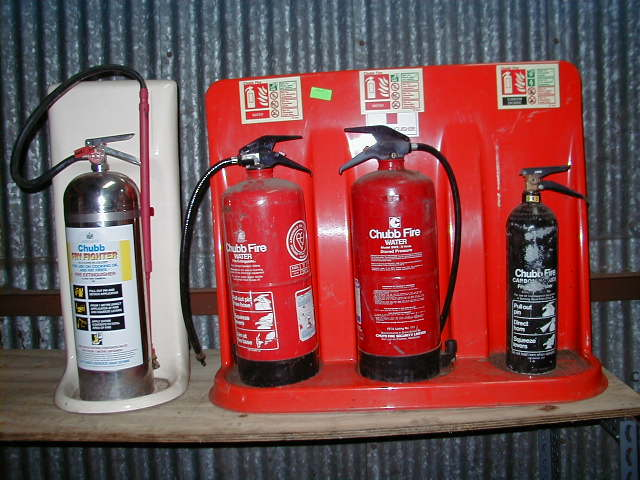 Fire Extinguishers with Bases - ER 1