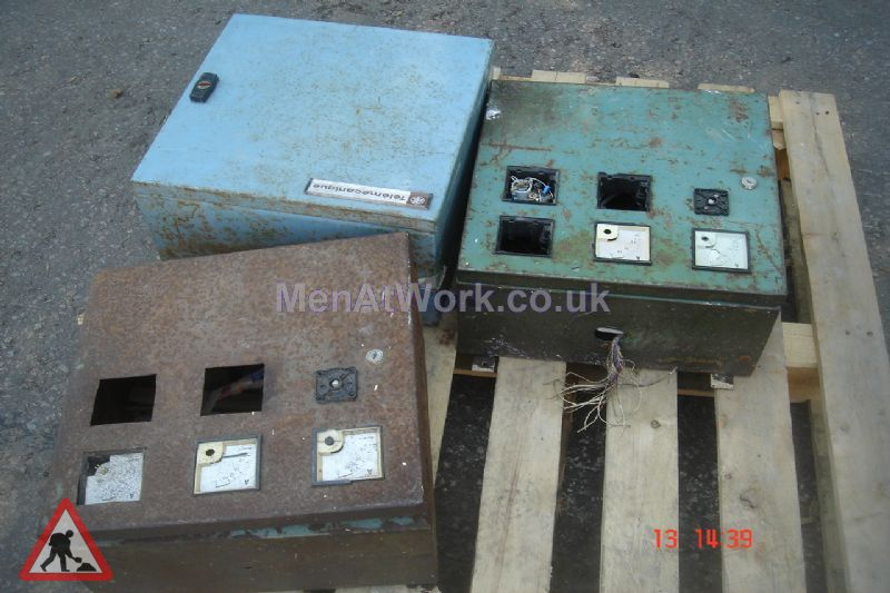 Electrical supply control units - Electricity supply unit (1)