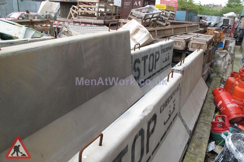 Fake Concrete Barriers ( Fibreglass ) - Fiberglass Barier 30 Available