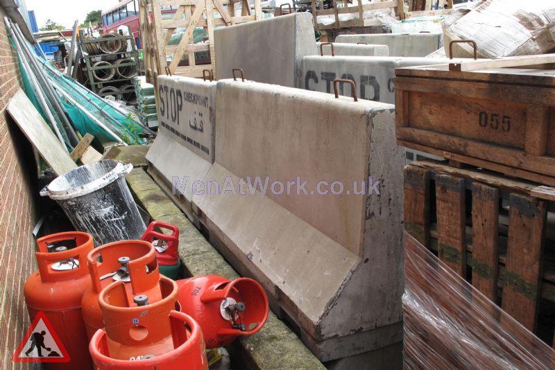 Fake Concrete Barriers ( Fibreglass ) - Fiberglass Barrier