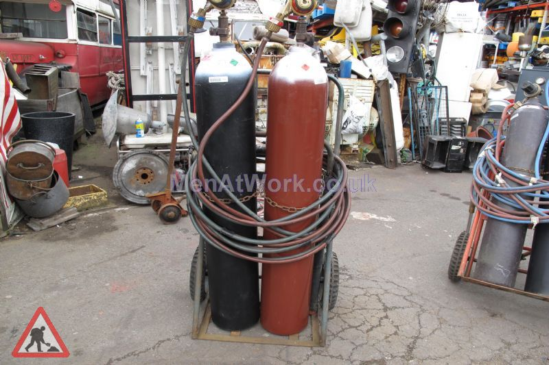 Gas Bottles with Hoses - Fiberglass Bottles with Hoses
