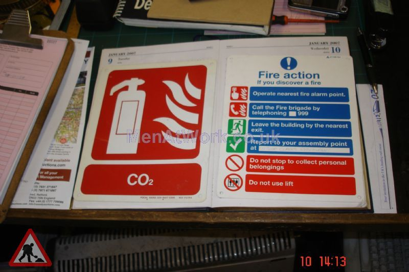 Fire Action Sign - Fire Action Sign (2)