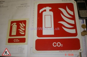 Fire Extinguisher Sign - Fire extinqueser signs