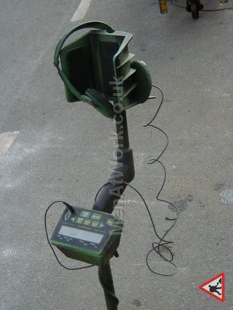 Hand held metal detector - Handheld metal detector (4)