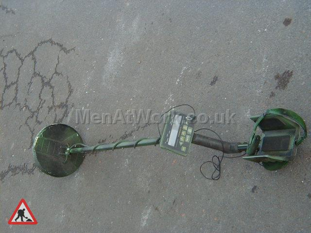 Hand held metal detector - Handheld metal detector (6)