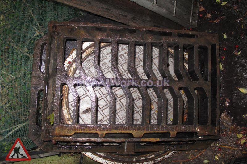 Man hole cover - Iron grate drain 4