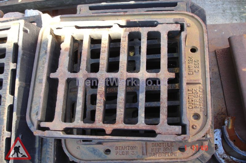 Man hole cover - Iron grated drain 2 – top view