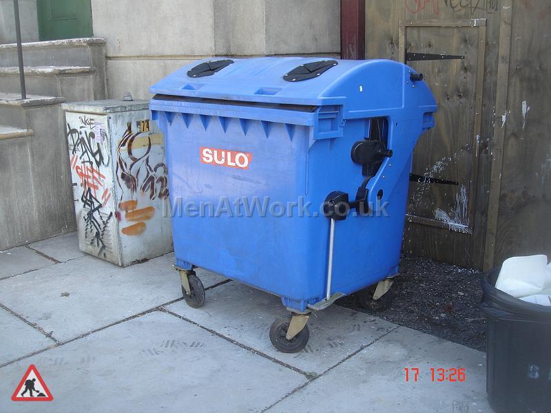 Light Blue Wheelie bin - LIGHT BLUE WHEELIE BIN (2)