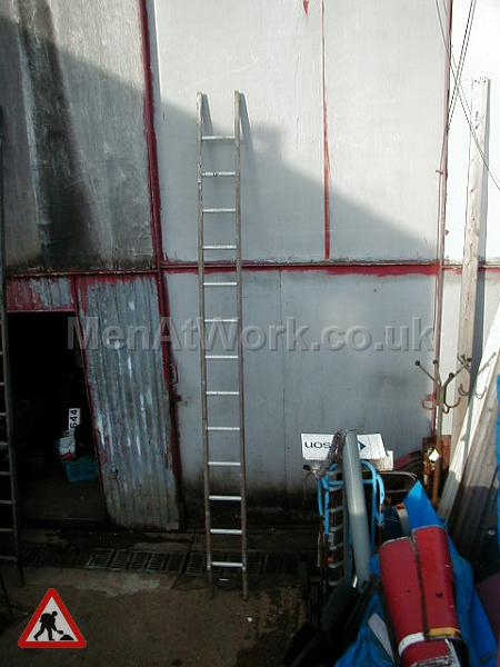 Wooden Ladders – Various Sizes - Ladder 3a – 12′