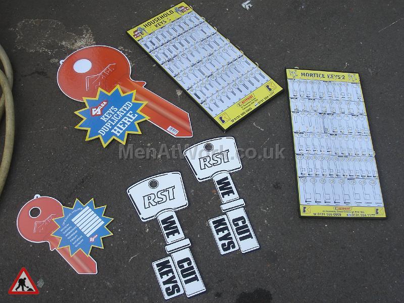 Locksmiths signs - Locksmiths Signage (2)