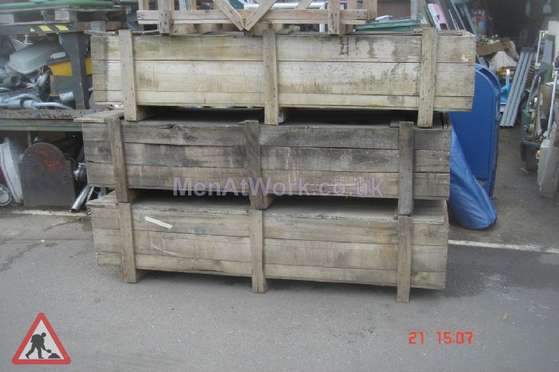 Long rectangular crates - Long rectangular crate 1- side view