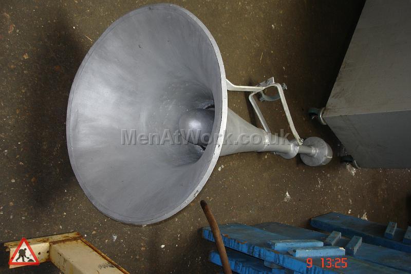 Loudspeaker – Long Metallic - Loudspeaker – Long Metallic