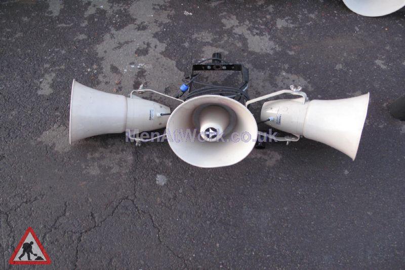 Loudspeakers – Mounted in 3 - Loudspeaker – Mounted in 3 (2)