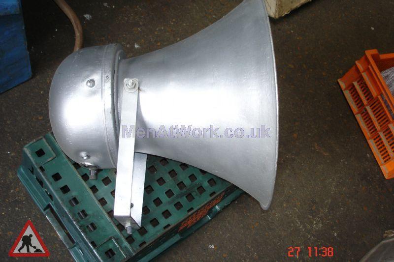 Loudspeaker – Short - Loudspeaker – Short Metallic (3)