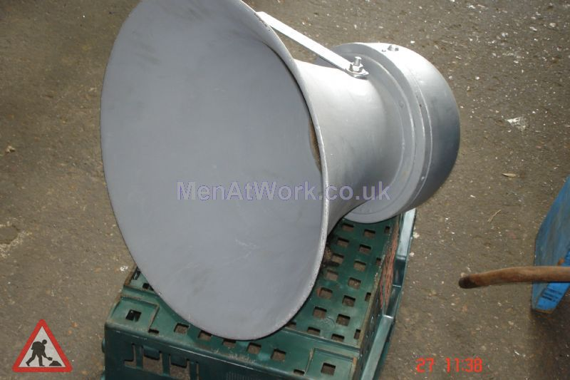 Loudspeaker – Short - Loudspeaker – Short Metallic