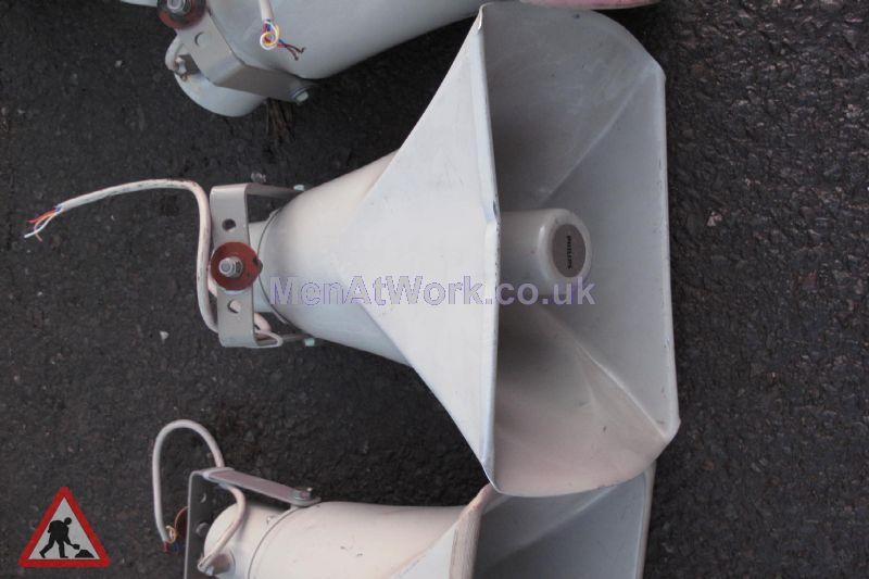 Loud Speakers - Loudspeakers – white (2)
