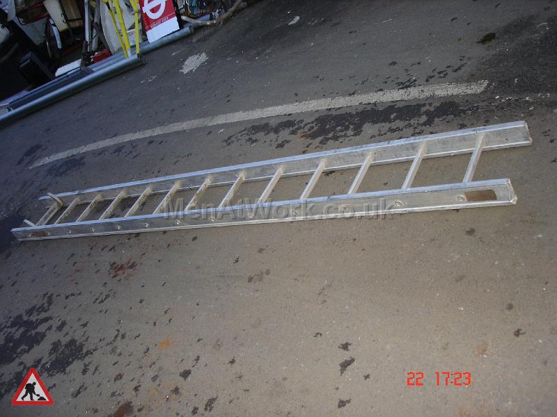 Metal Ladder - Metal Ladder (2)