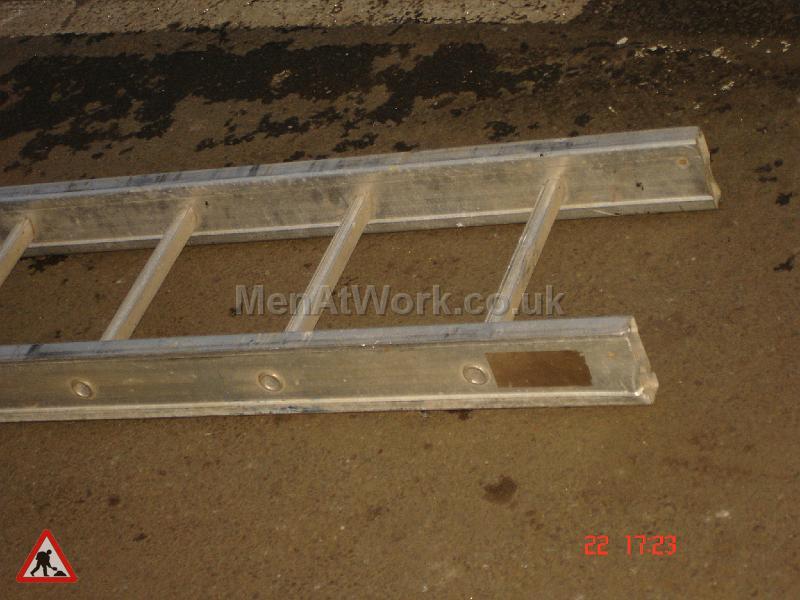 Metal Ladder - Metal Ladder