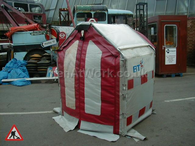 Modern Roadworks / BT Hut - Modern BT Hut