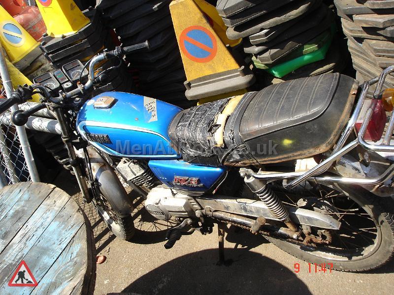 Motorbike - Motorbike – side view