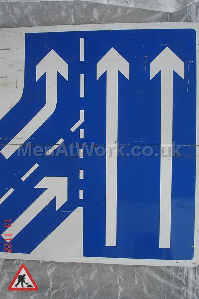 Motorway signs - Motorway sign – 5ft 6in wide x 6ft down
