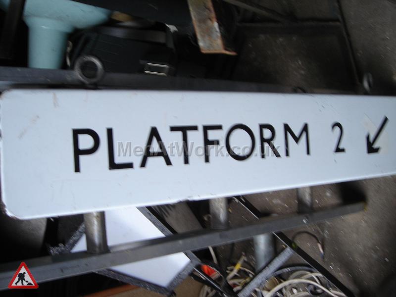 Platform number underground sign - PLATFORM 2  BSIGN