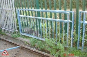 Pavement Perimiter Fence - Pedestrian Barrier