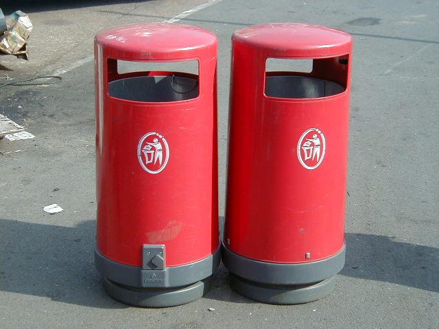 Street Bins – Red - Red bin 2