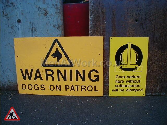 Building site warning signs - Warning dogs on patrol
