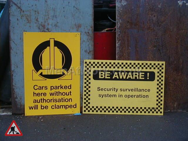 Building site warning signs - Be Aware