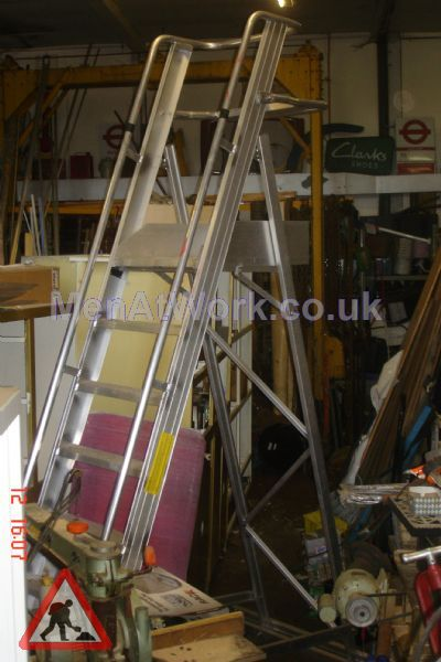 Safety Step Ladder - Safety Steps – 10ft to top rail