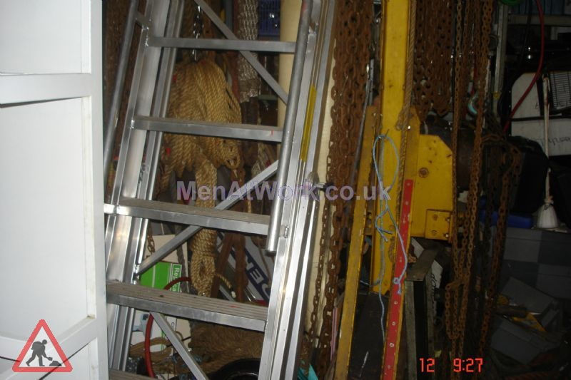 Safety Step Ladder - Safety Steps (2)