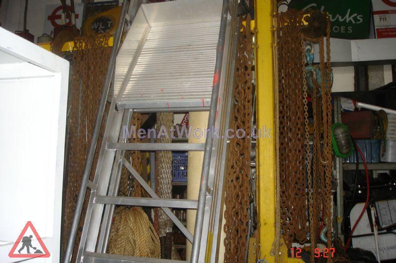 Safety Step Ladder - Safety Steps (3)