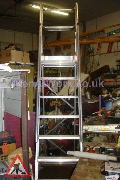 Safety Step Ladder - Safety Steps – 7ft to top step