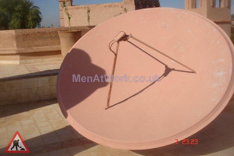 Satellite dish - Satellite Dish – red