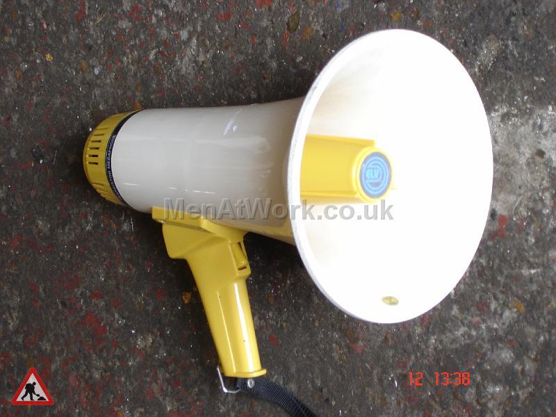 Megaphone – Short Yellow - Short Handheld Megaphone – Yellow (2)