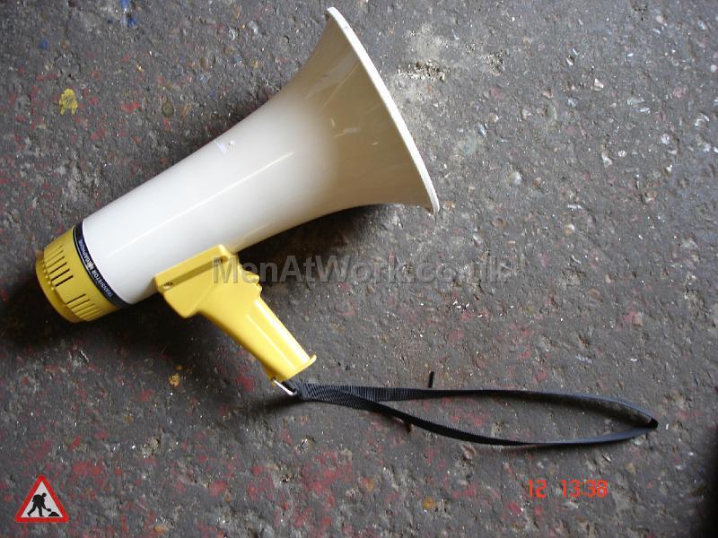 Megaphone – Short Yellow - Short Handheld Megaphone – Yellow
