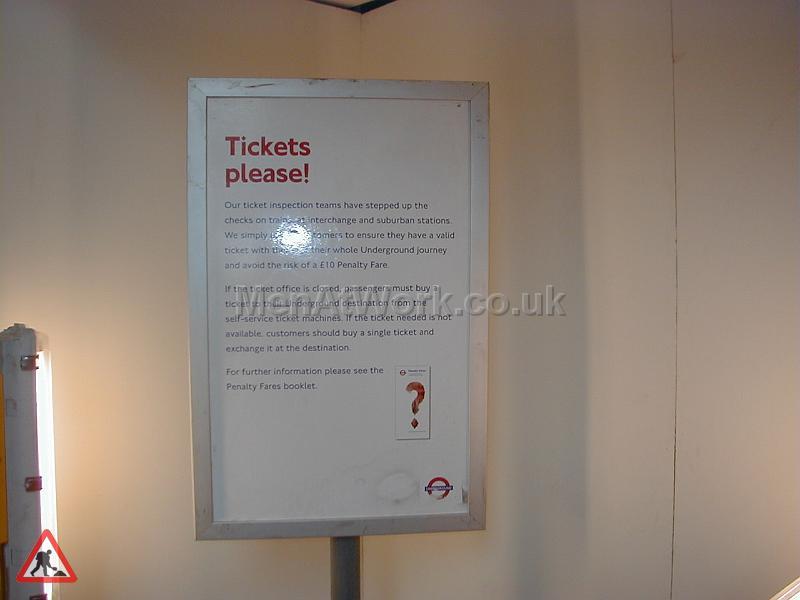 Information underground signs - Sign- tickets please!