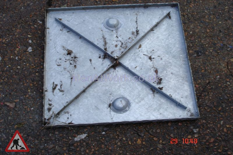 Man hole cover - Square cover 1 bottom
